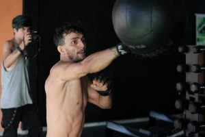 boxing training on a speedbag - featured image
