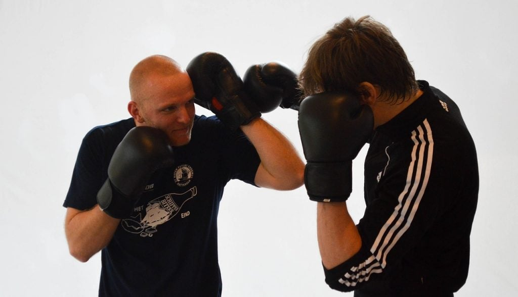 kickboxing gloves featured image