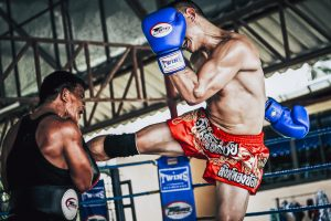 powerful muay thai kick - feature image